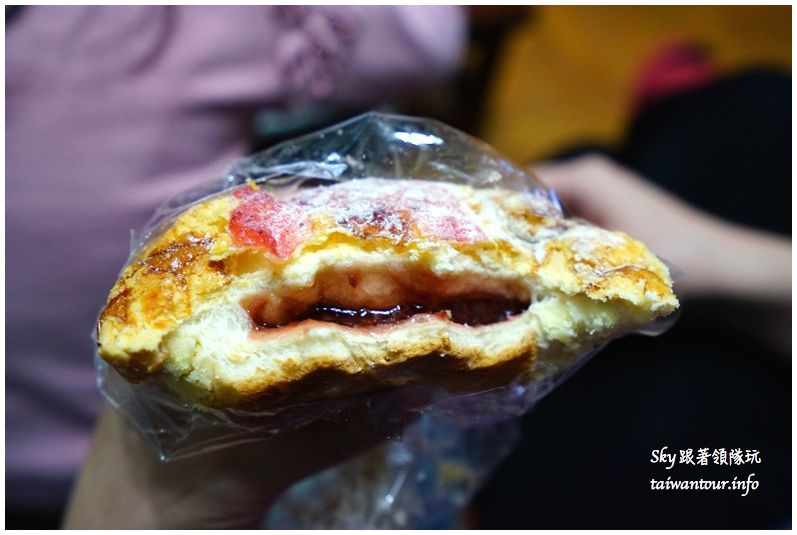 淡水美食推薦廣泰香菠蘿麵包DSC04771