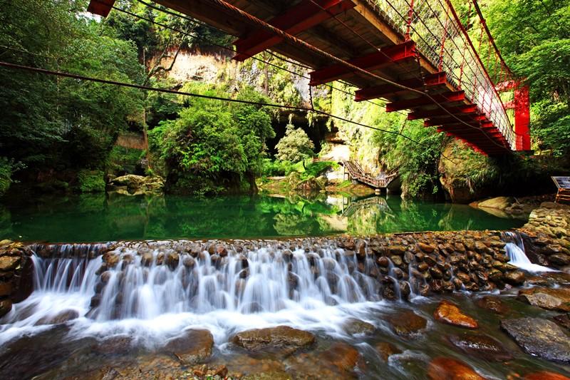 2 松瀧瀑布小橋流水