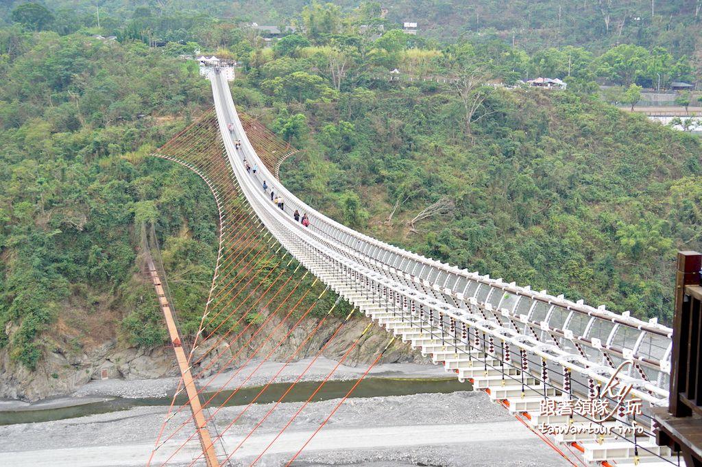 屏東景點推薦-全國最長臥床式【山川琉璃吊橋】