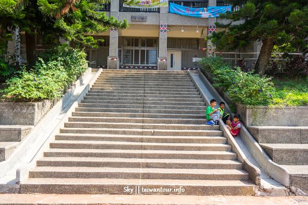 南投景點推薦-信義溜滑梯.超美壁雕【地利國小】