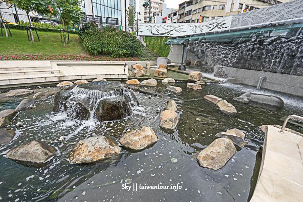台中景點推薦【台中柳川】全台首座9米水中聖誕樹