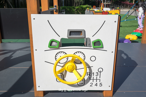 新北親子景點-泰山最新共融式【貴子兒童公園】