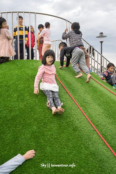 新北親子景點【鳳福公園】鶯歌全台第一座戶外彈跳床