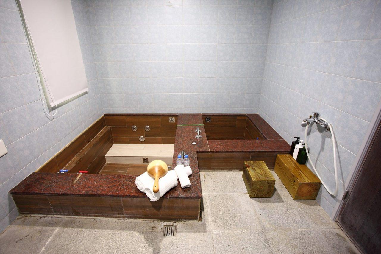 【東風溫泉會館泡湯】新北烏來老街親子套房票劵.評價