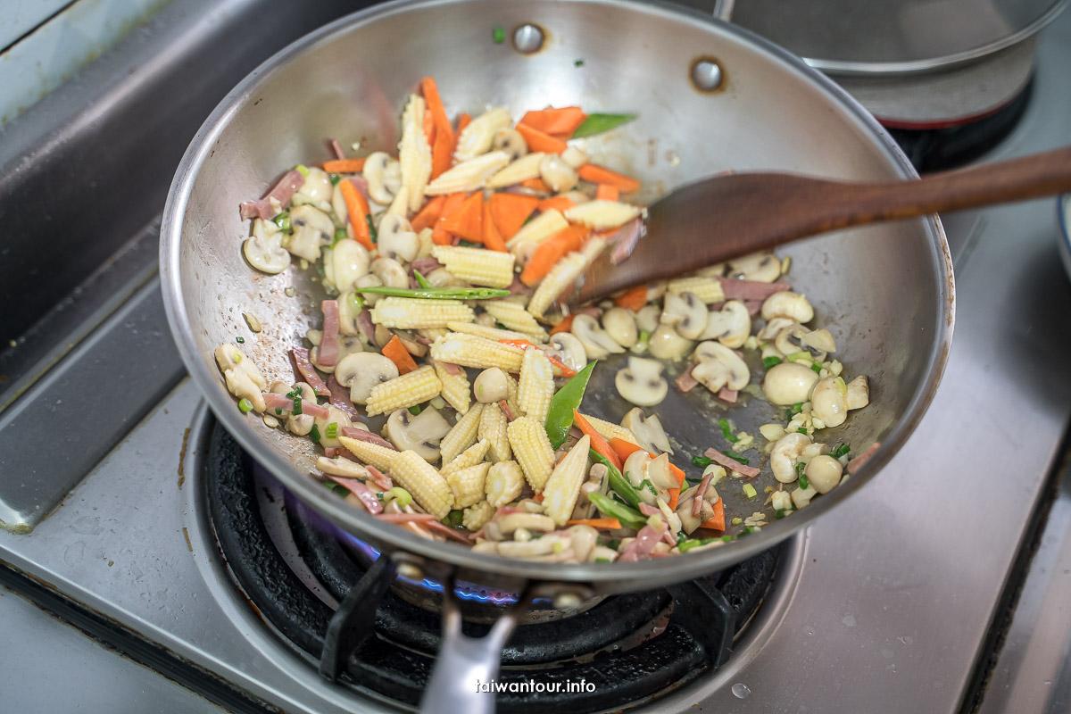 【白醬義大利麵食譜】簡易作法用椰奶更健康